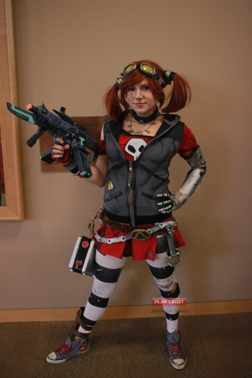 I found Gaige again, I saw her at Ohayocon, still an awesome cosplay